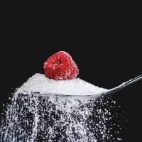Azúcar vs edulcorante: ¿cuál es la diferencia?