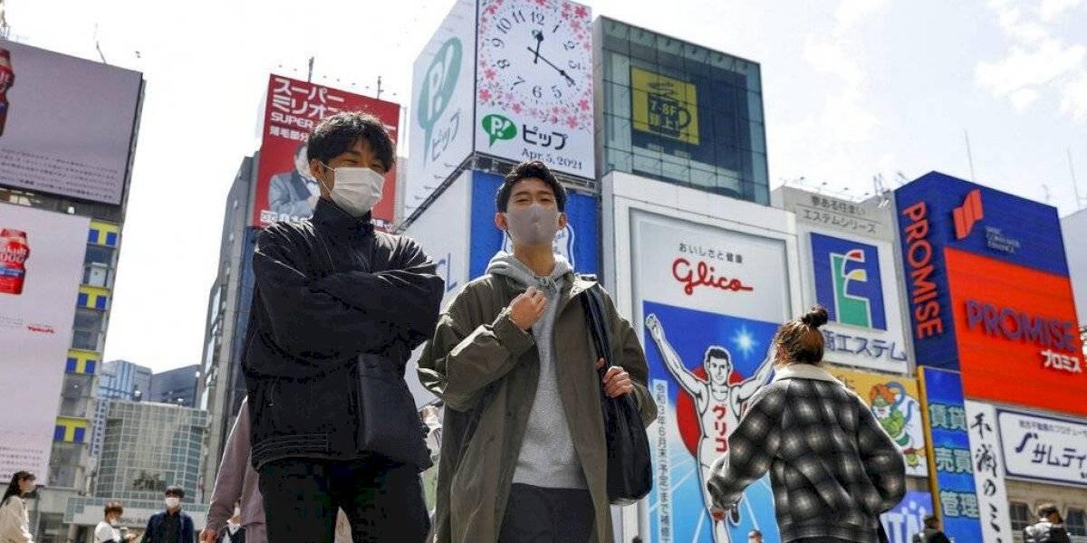 Japón intensifica control fronterizo por variantes de COVID-19