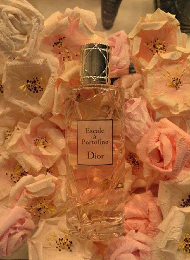 perfume1-4f51ac667c77de8da1a97a8dfc1ae745.jpg