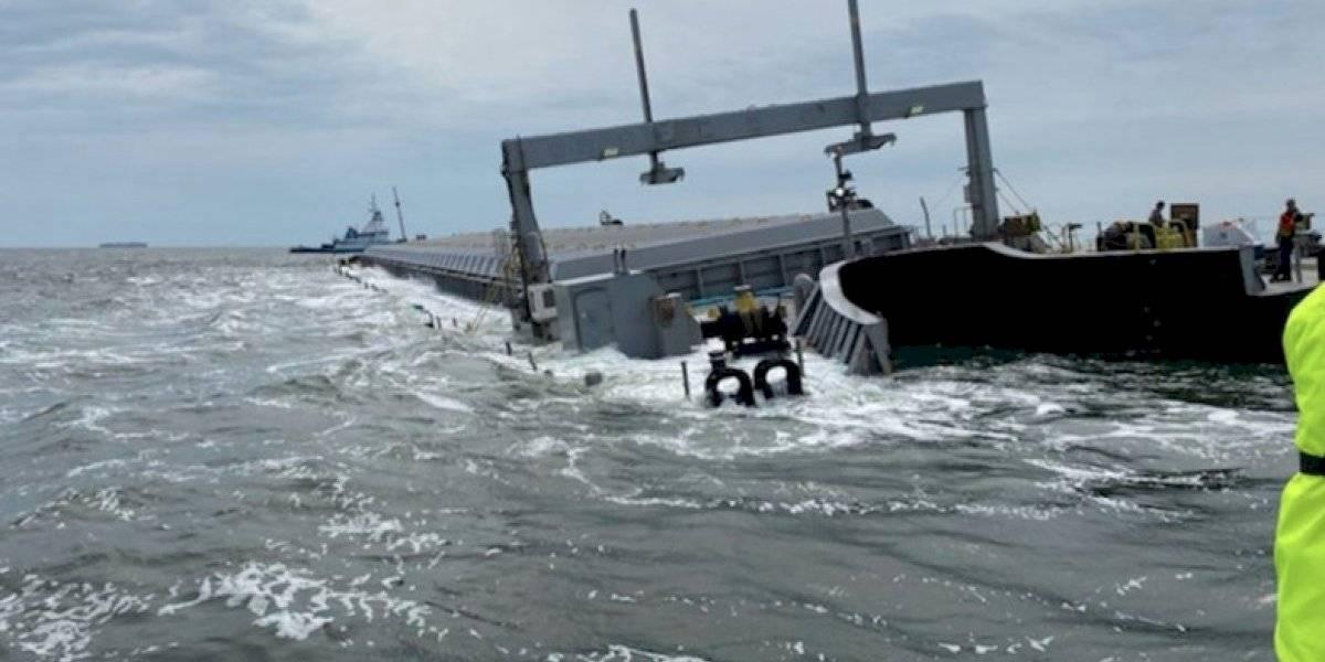 Barcaza llena de cenizas de AES encalla cerca de Jacksonville