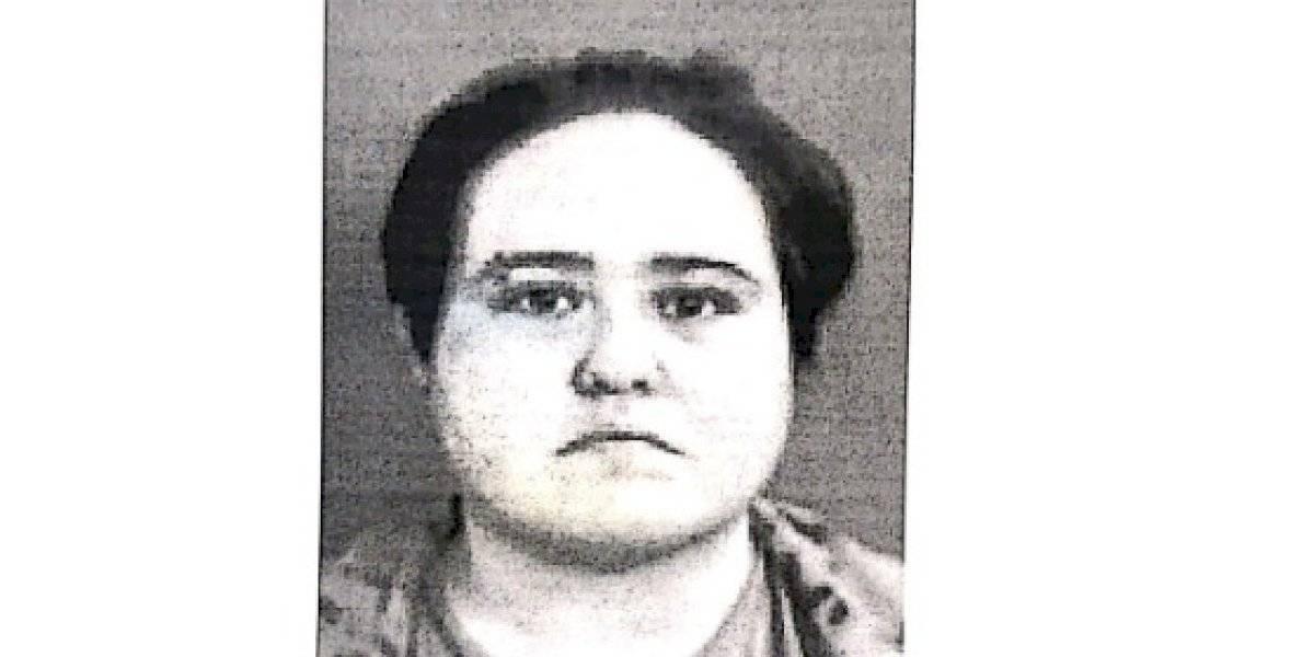 Arrestan mujer por denuncia de maltrato a una persona de edad avanzada y a un menor en Aguadilla