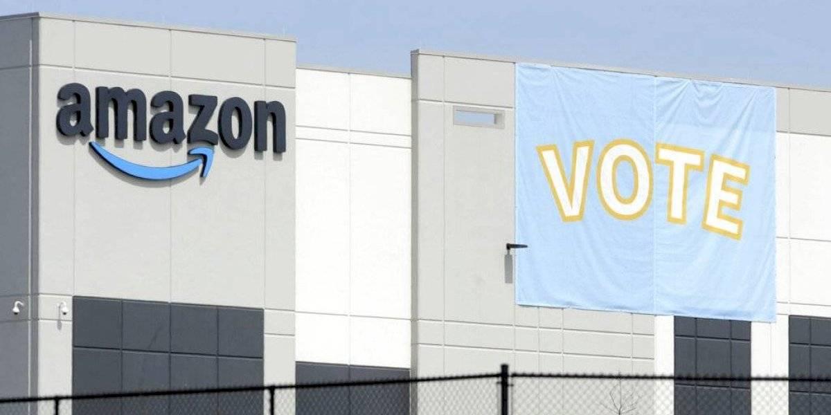 Amazon logra detener organización sindical en instalación en Alabama