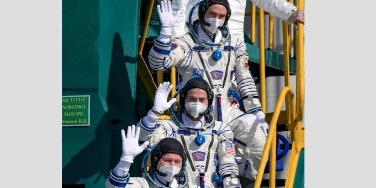 Astronautas de Estados Unidos y Rusia parten en misión hacia la Estación Espacial Internacional
