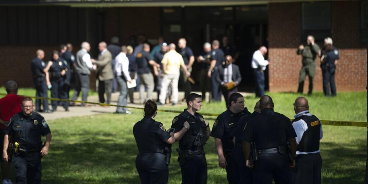 Alumno disparó contra policías en escuela de Tennessee