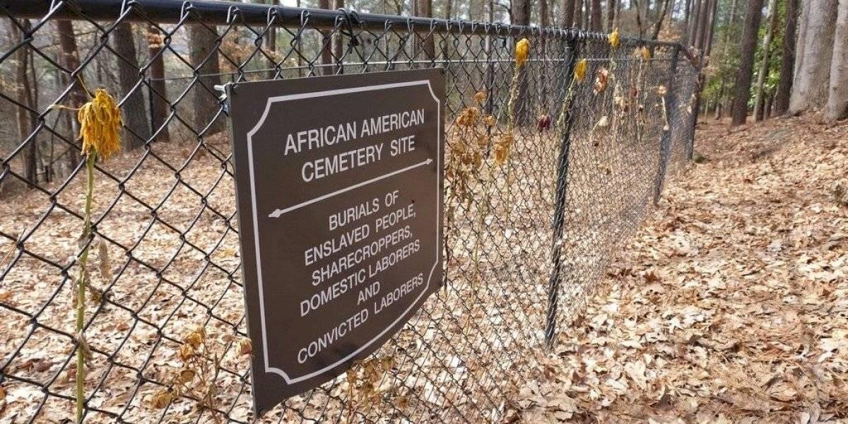 Universidad de Carolina del Sur confronta macabro hallazgo: Tumbas de esclavos