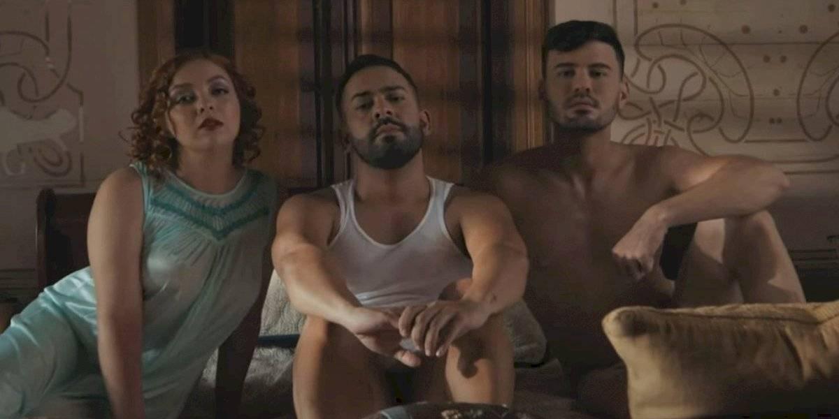 José Alfredo encara un triángulo amoroso en su nuevo video musical