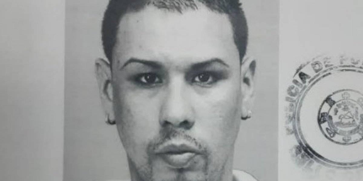 Arrestan en gasolinera a hombre que agredió a puños a su expareja en Bayamón