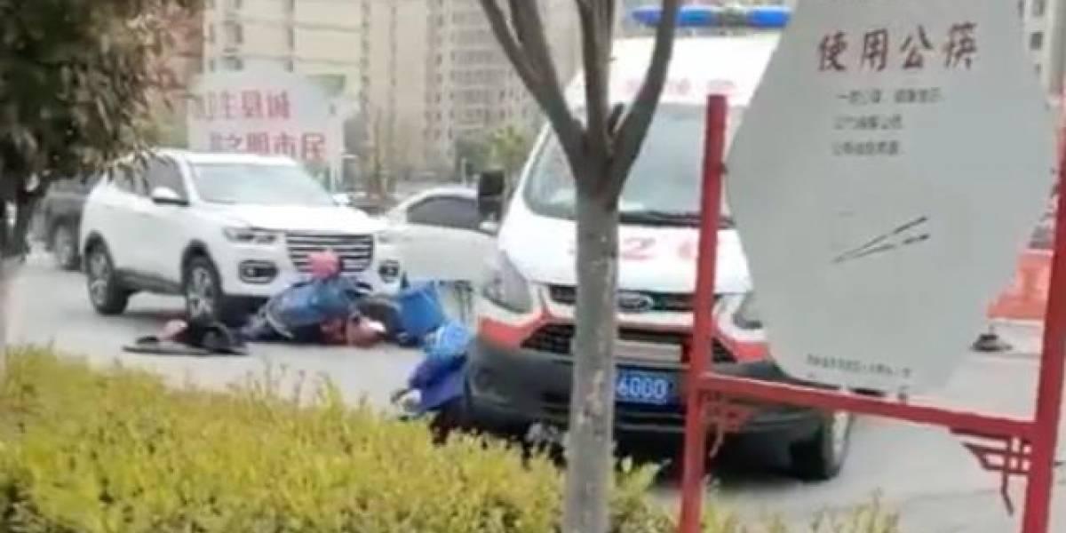 Ambulancia atropella persona que iba a atender de emergencia en China