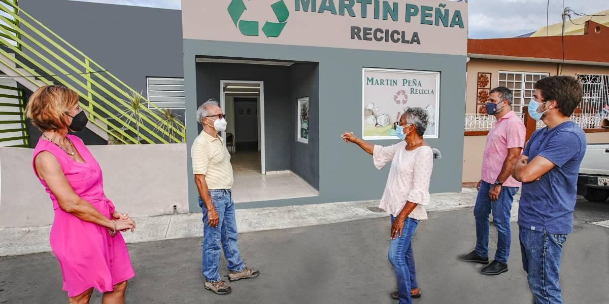 FirstBank conmemora Día del Planeta Tierra con donativo a organización de reciclaje