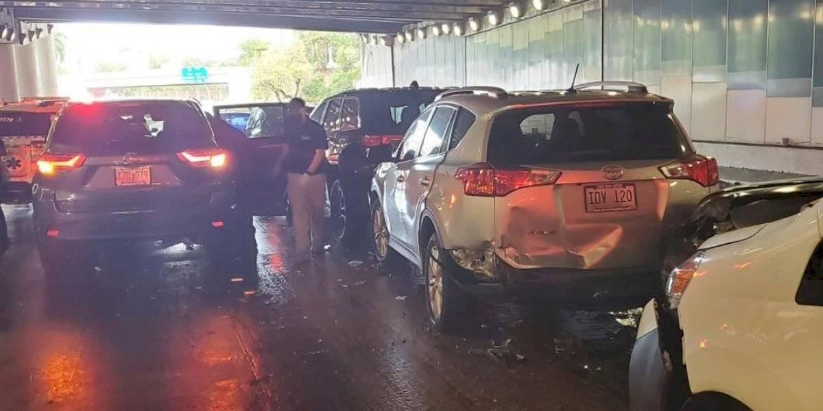 Choque de múltiples autos al interior del Túnel Minillas provoca enorme tapón