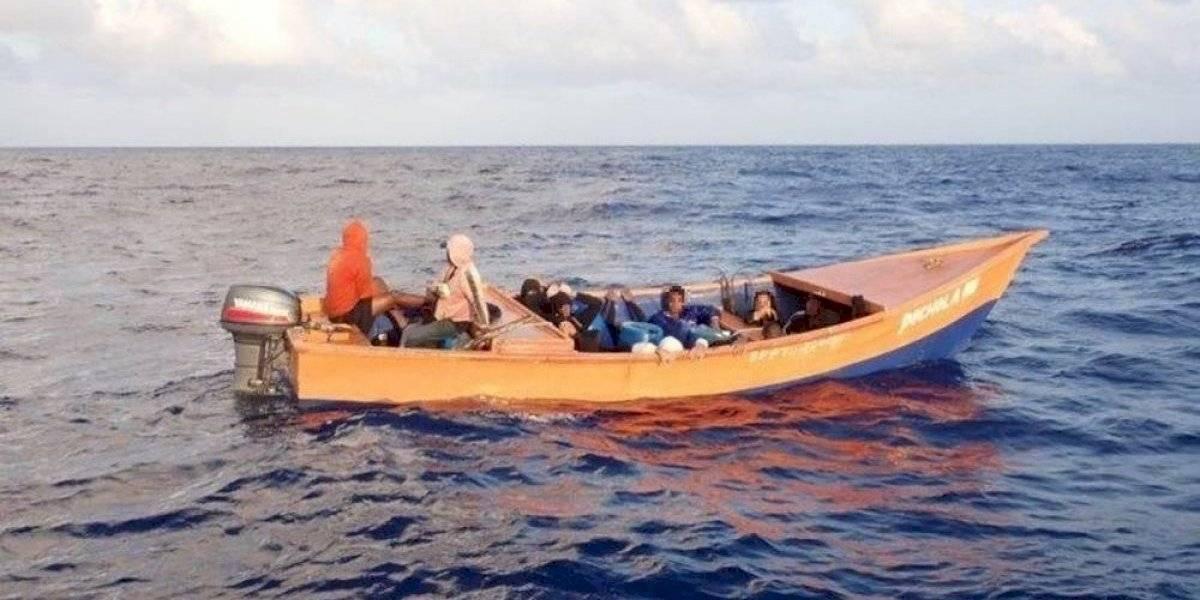 Guardia Costera intercepta yola con 18 inmigrantes en el Canal de la Mona
