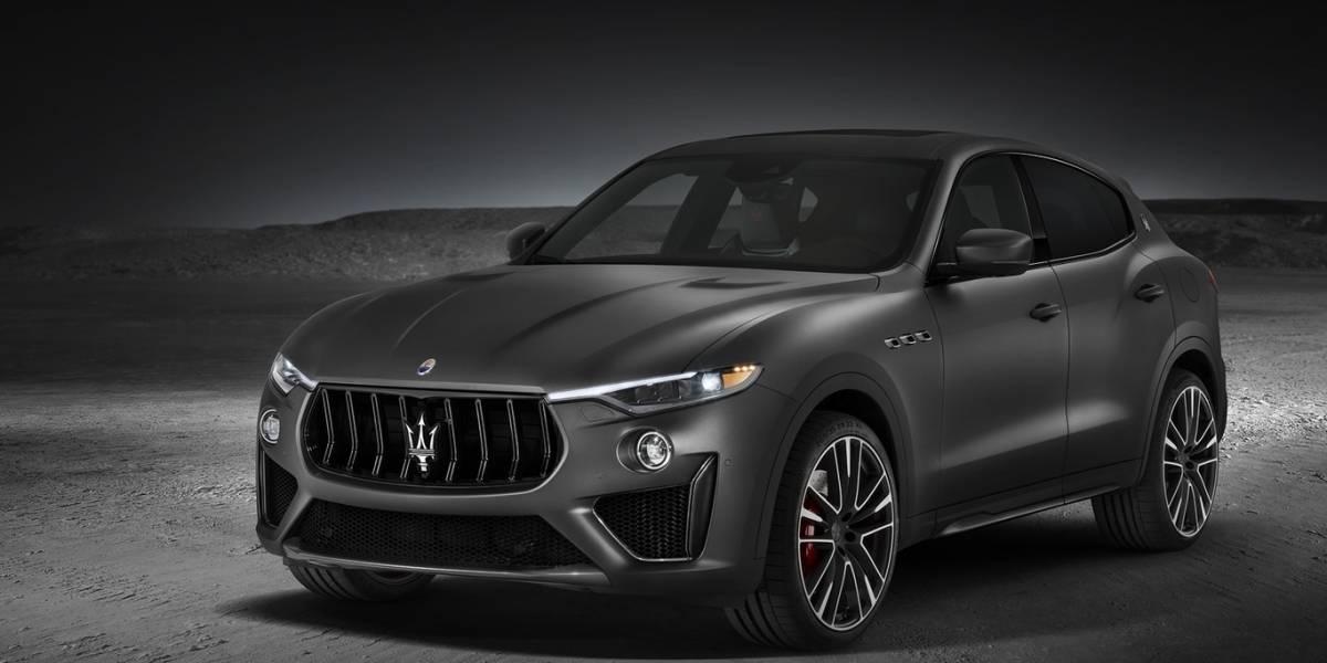 Roban Maserati en Carolina mientras dueño bajaba la compra