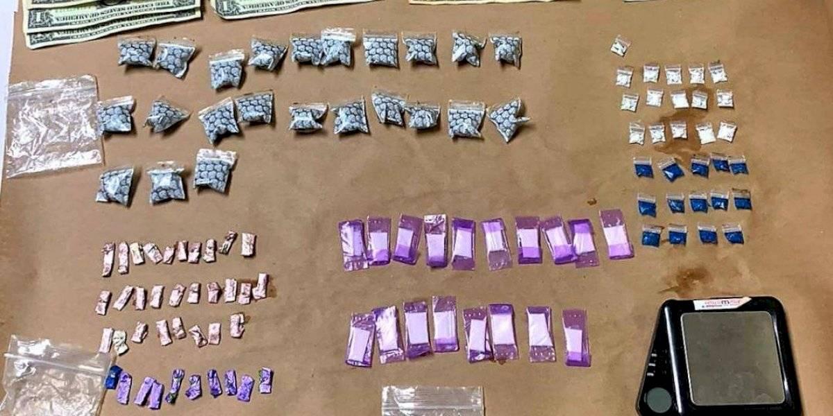 Radican cargos contra tres hombres de Aguadilla tras encontrarles drogas