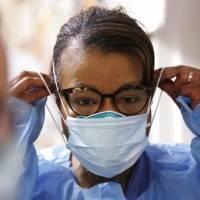 Vuelven en Estados Unidos al uso único de mascarillas médicas N95
