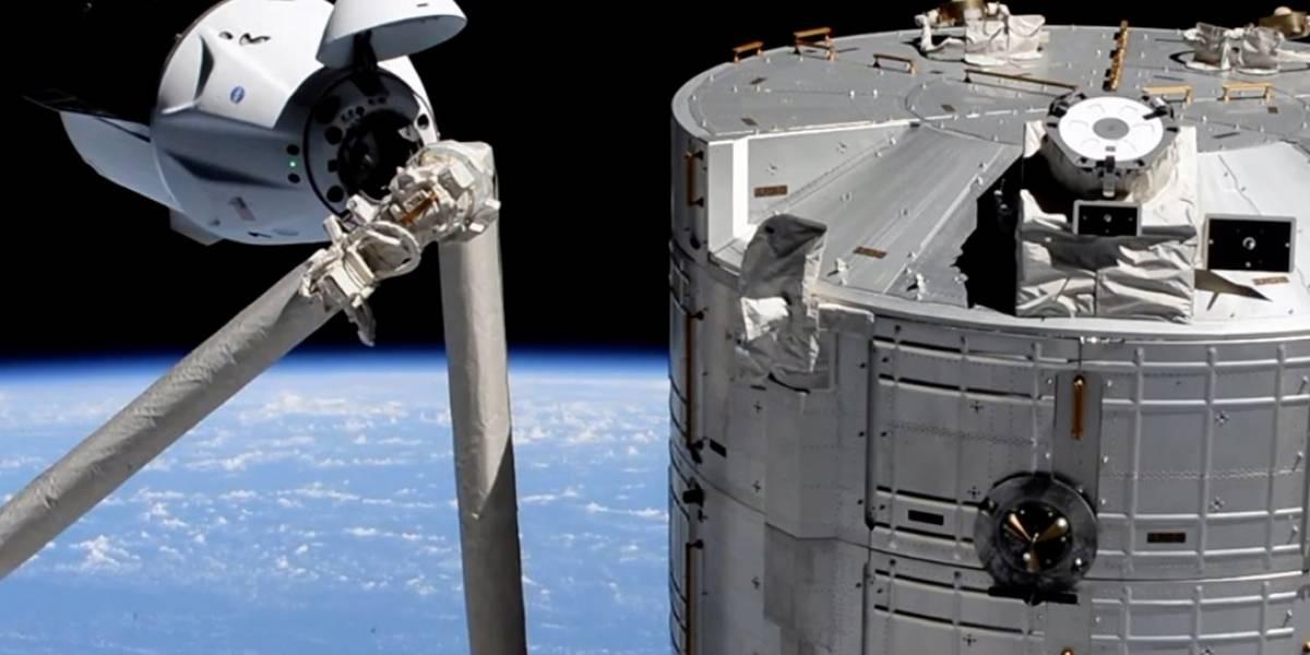 La nave SpaceX Crew Dragon de la NASA se acopla a la Estación Espacial Internacional