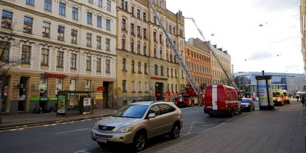 Incendio en Letonia deja ocho muertos