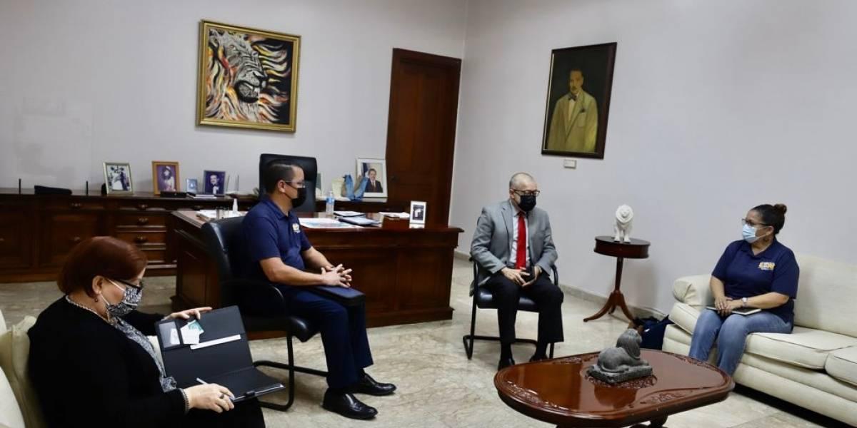 """Alcalde de Ponce se reúne con empleados para acordar pago final del """"enfermito"""""""