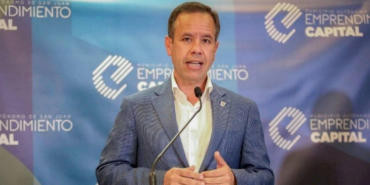 Alcalde de San Juan decreta 30 días de duelo por muerte de Romero Barceló