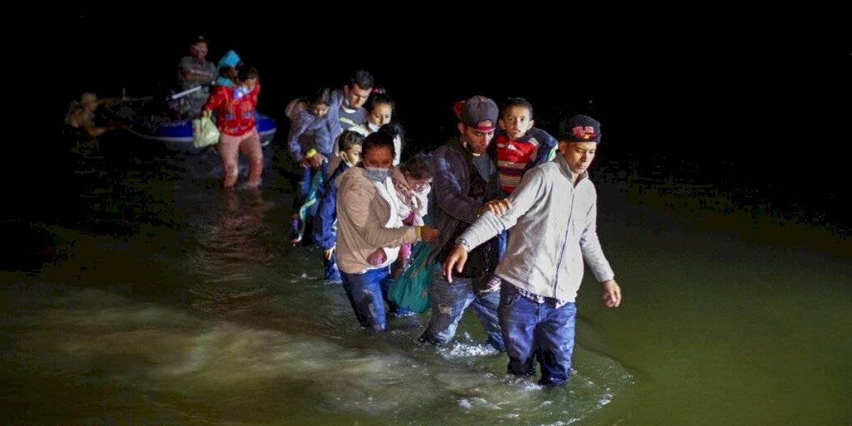 Estados Unidos comienza a reunir a familias de inmigrantes separadas