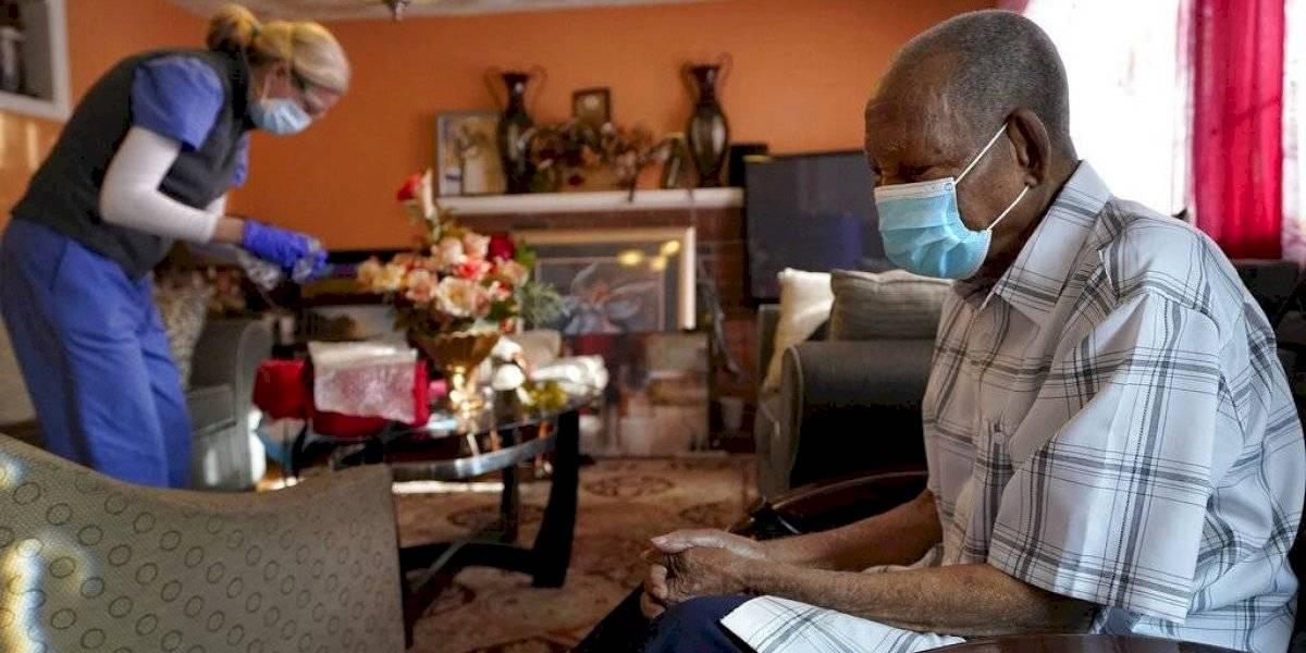 Sondeo: Una mayoría en Estados Unidos preferiría envejecer en casa