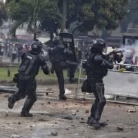 Protestas en Colombia dejan al menos 19 muertos y más de 800 heridos