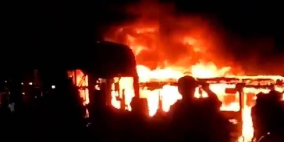 Caos en Colombia: Queman buses en manifestaciones al sur de Bogotá