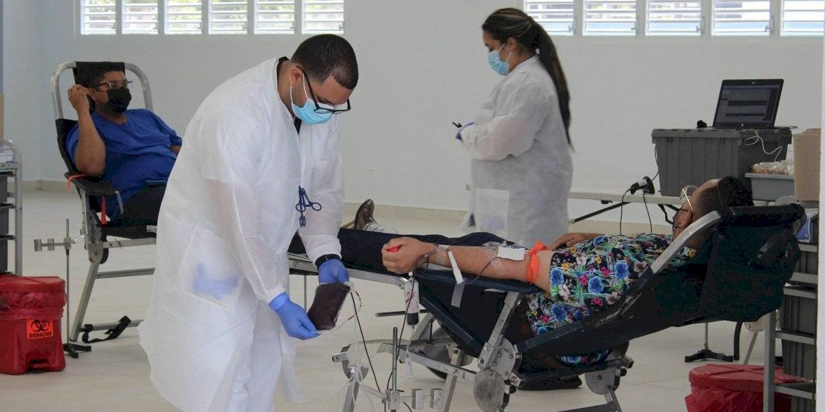 Sobre 40 empleados municipales en Ceiba se unen para donar sangre