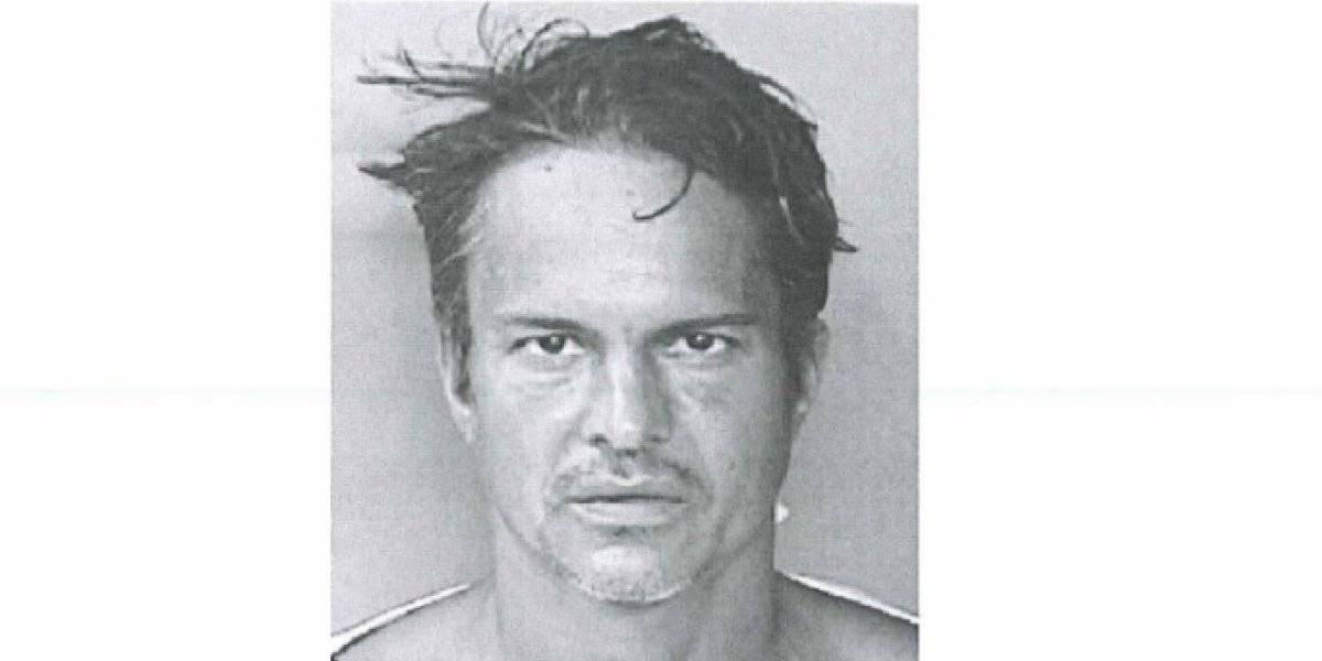 Presentan cargos contra hombre por agredir y amenazar a su pareja en San Juan