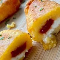Receta: Sorullitos de maíz con pasta de guayaba y queso crema