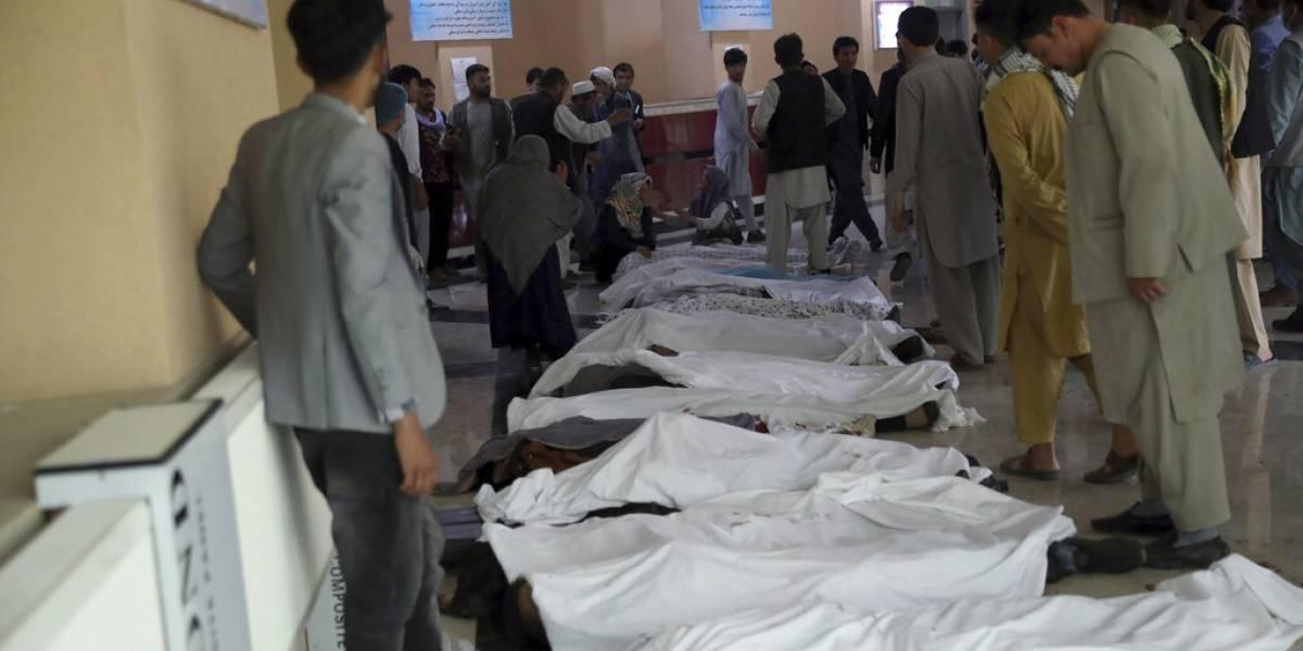 Bomba mata al menos a 30 personas en Afganistán