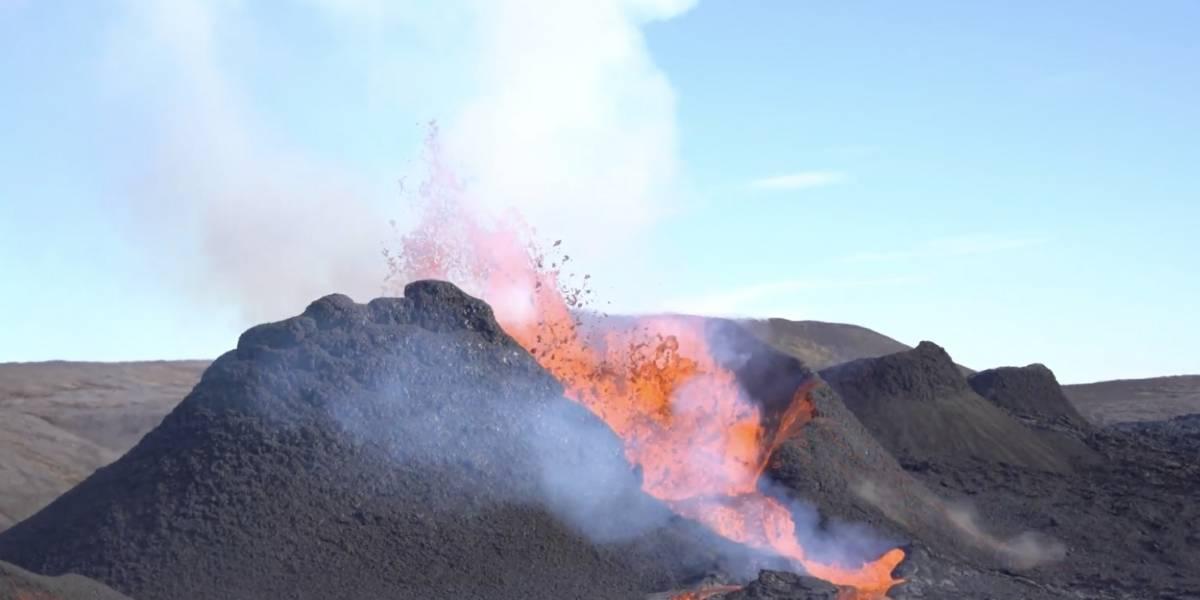 Impresionantes imágenes muestran lava brotando del volcán Fagradalsfjall