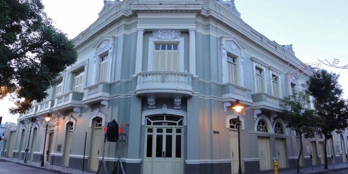 Presentan proyecto para poner el nombre de Hernández Colón al antiguo casino de Ponce