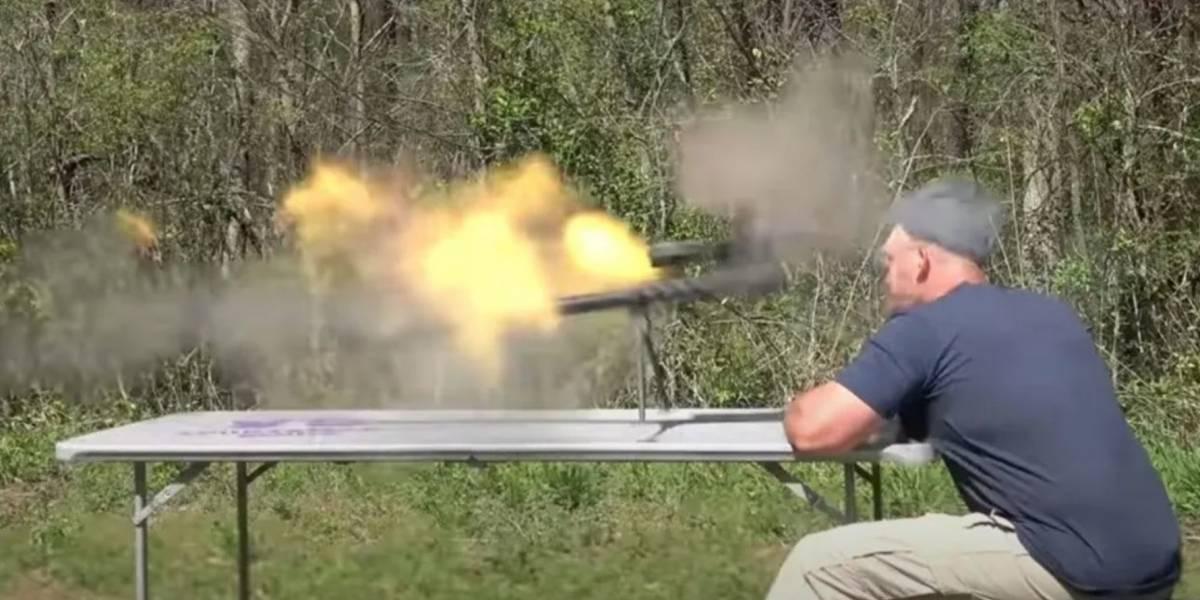 Youtuber amante de las armas sufre graves heridas tras rifle explotarle en la cara