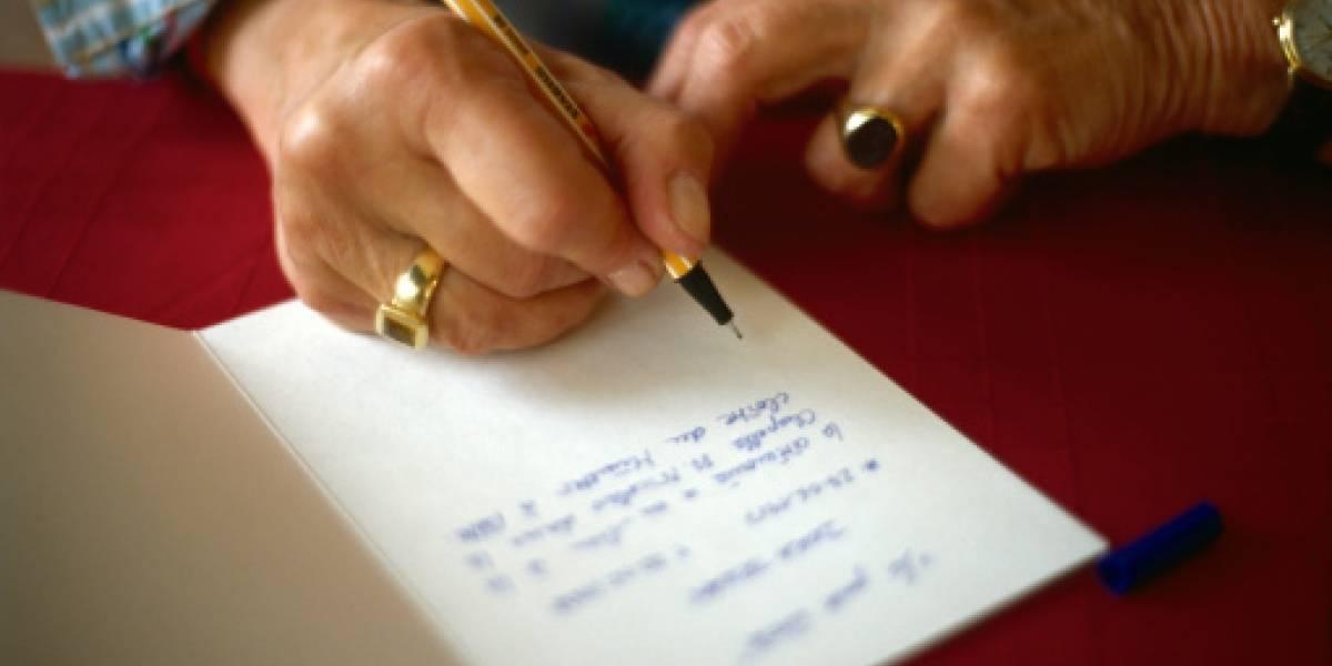 La conmovedora última carta de un adulto mayor antes de ser intubado por COVID-19