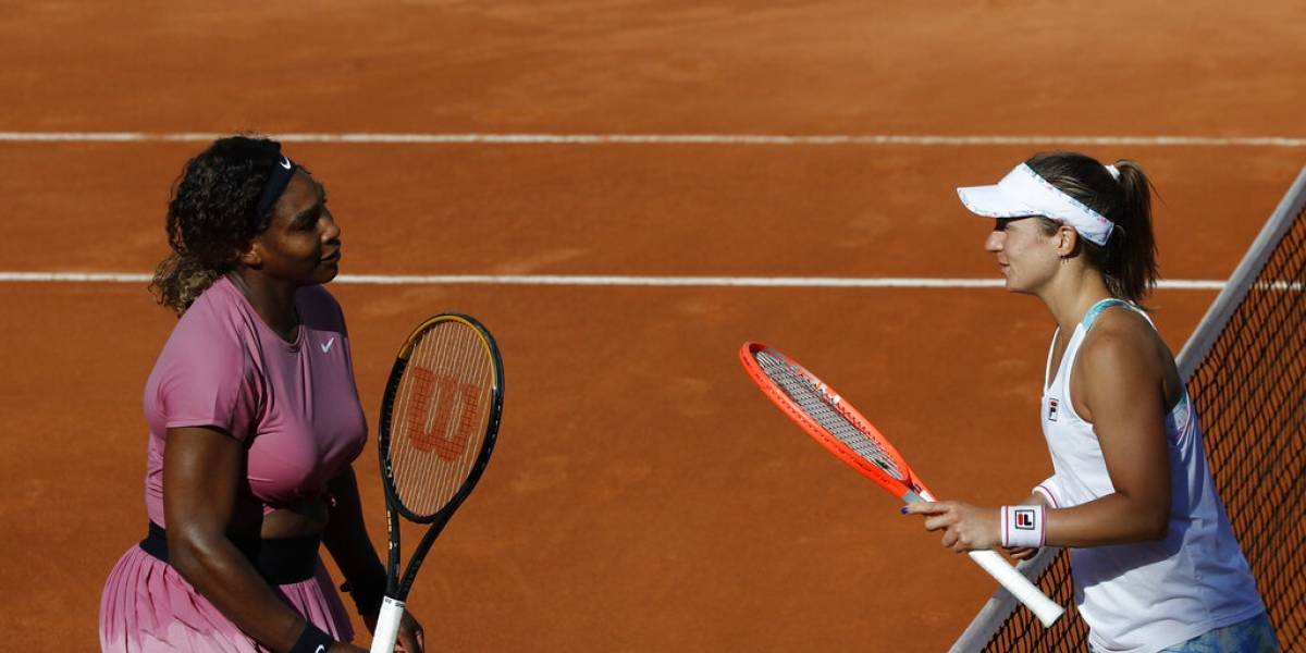 Serena Williams celebra su partido mil con una derrota