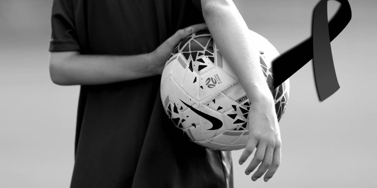 Muere niño de 9 años al ser alcanzado por un rayo mientras jugaba futbol en Inglaterra