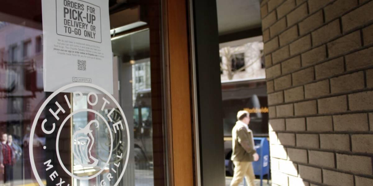 Muchos negocios en Estados Unidos suben salarios: les urgen empleados