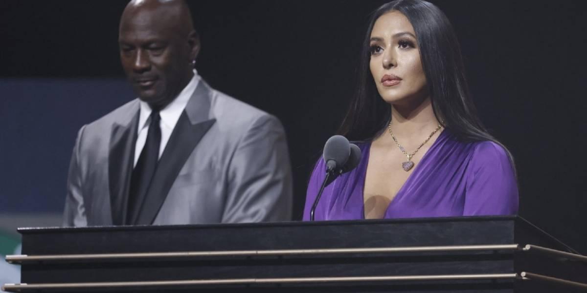 Kobe Bryant ingresa al Salón de la Fama; así fue el emotivo discurso de su esposa