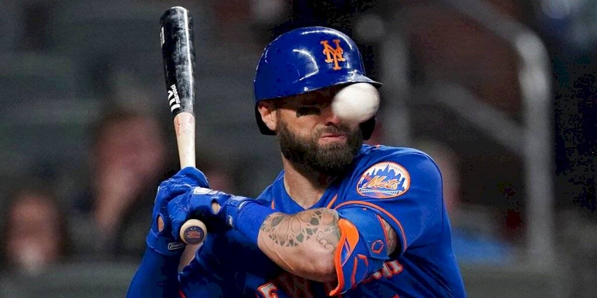 Con múltiples fracturas Kevin Pillar de los Mets tras pelotazo en la cara