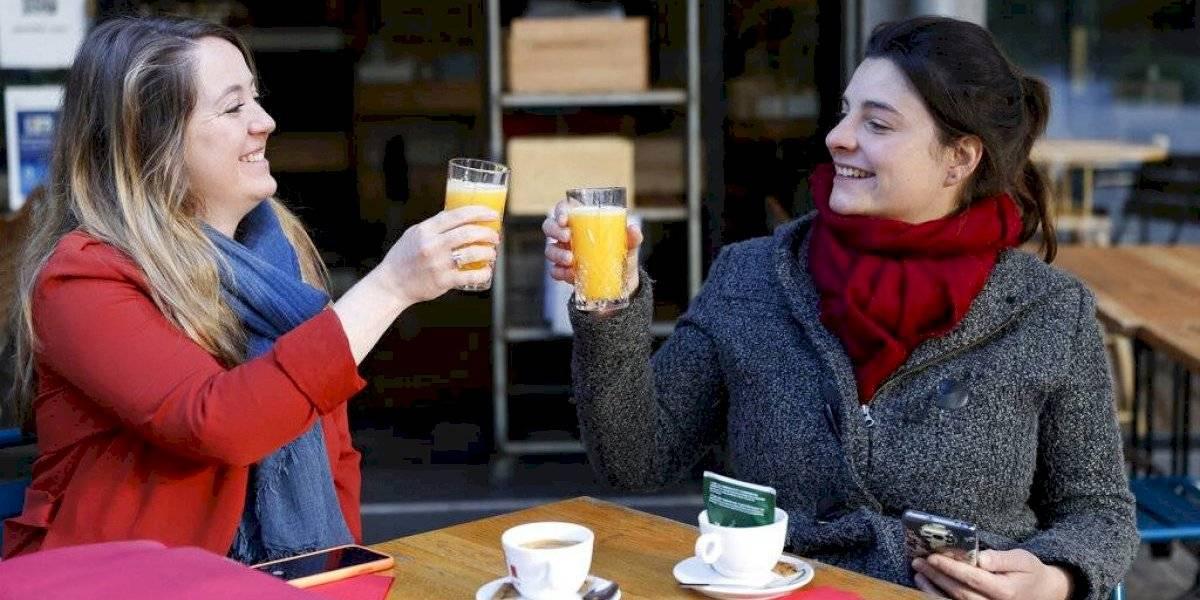 Francia reabre terrazas de cafés y restaurantes tras 6 meses cerrados por la pandemia