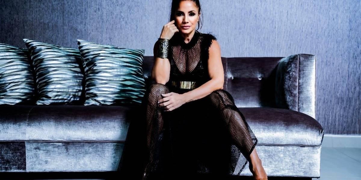 Melina León promete más baladas y merengue este año