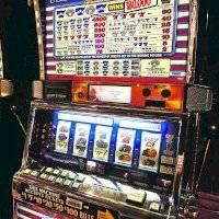 Interrogantes sobre concesión de licencias para máquinas de juegos de azar