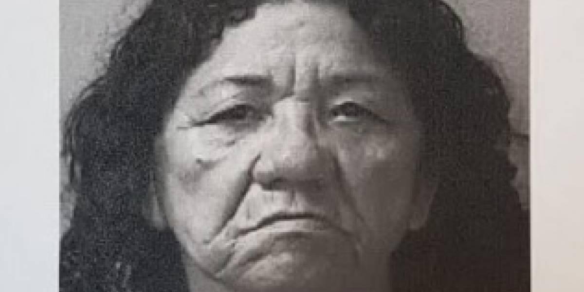 Mujer hizo creer a anciana que tenía billete premiado de la lotería para robarle $6 mil