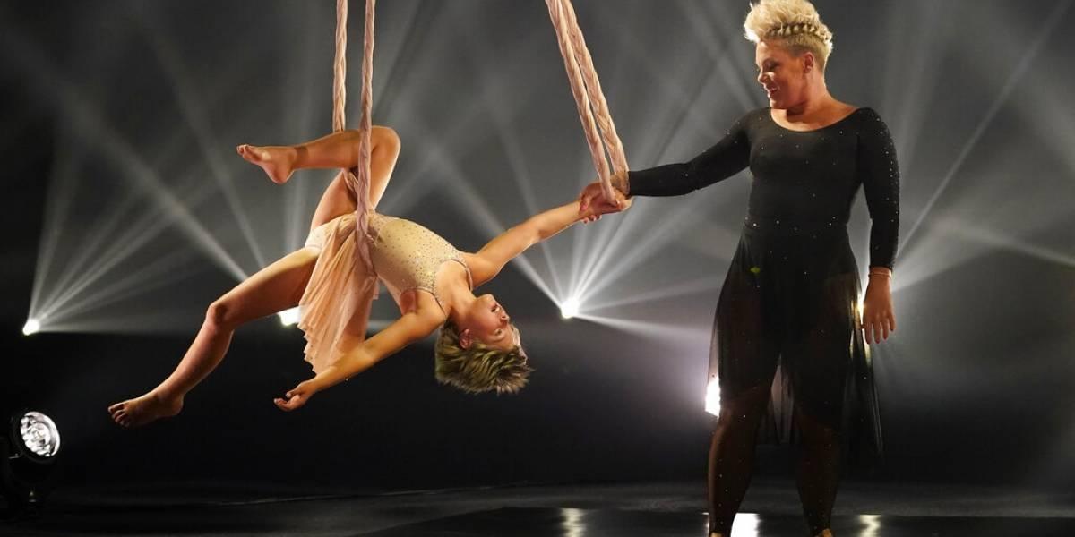 Brillo en el aire: Pink y su hija asombran en los Billboard