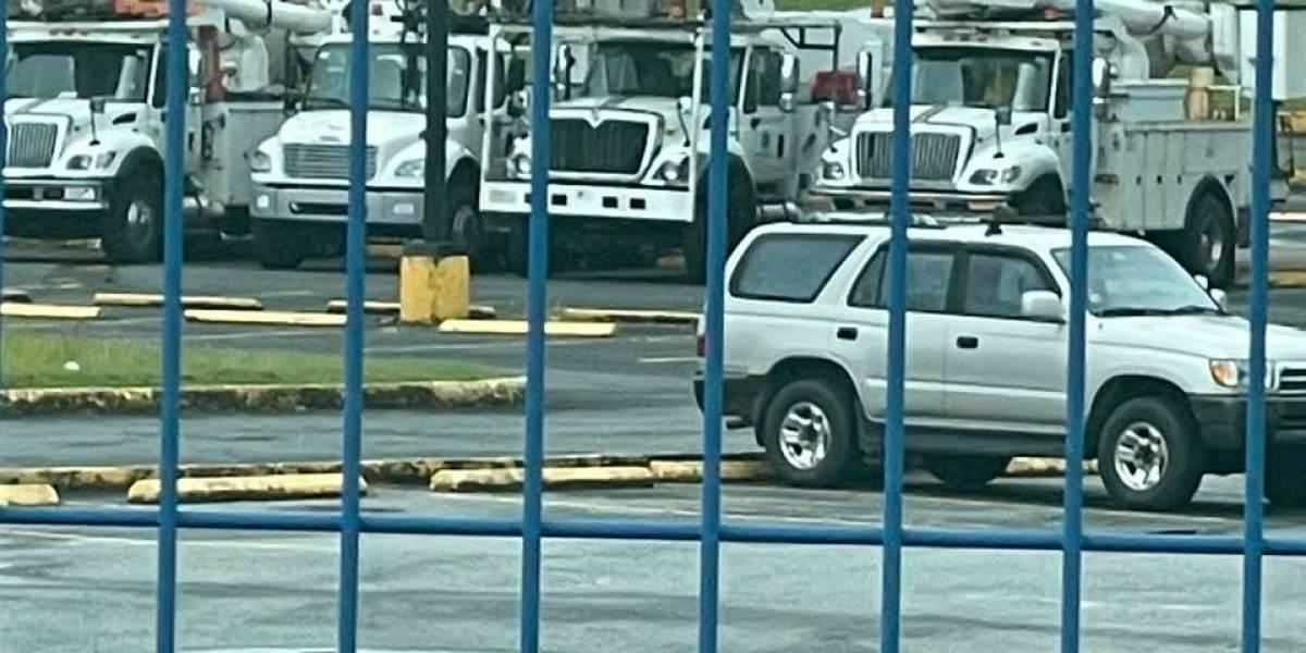 Denuncian AEE guarda los camiones de servicio a días de que Luma tome control del sistema