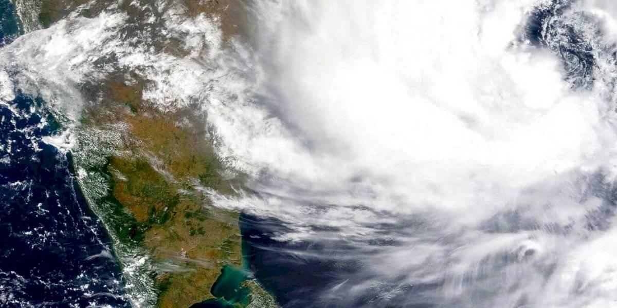 Miles de evacuados en India ante la llegada de un ciclón