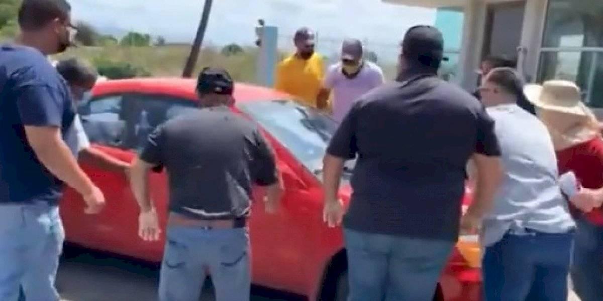 Se querellan contra miembros de UTIER por daños a un carro en Ponce