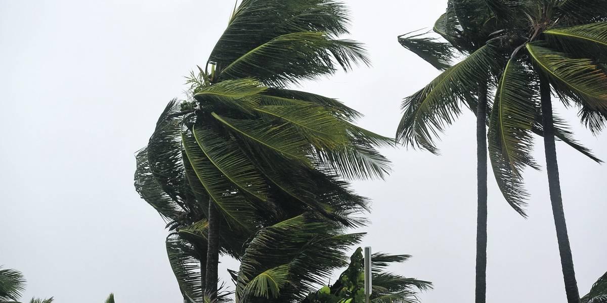 Gobierno se prepara para una activa temporada de huracanes en medio de otras emergencias