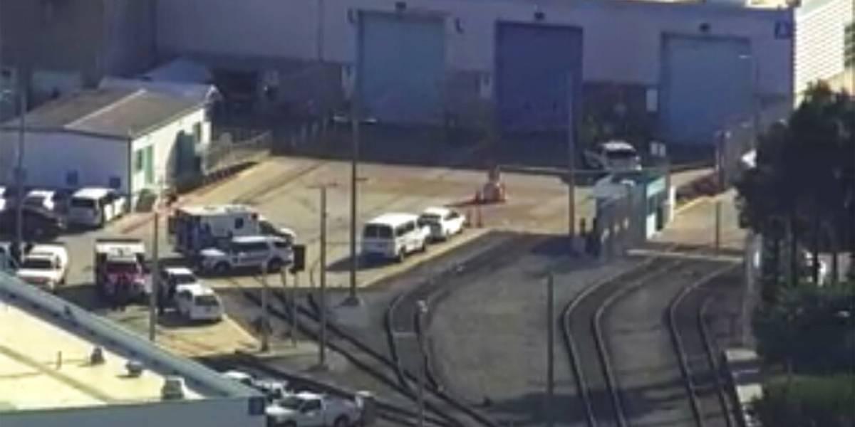 Empleado mata a 8 personas en patio ferroviario de California