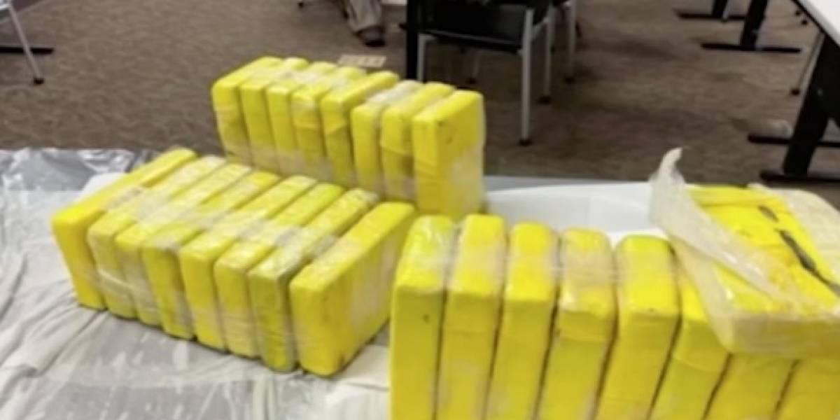 Aparecen paquetes de cocaína en una playa de Texas